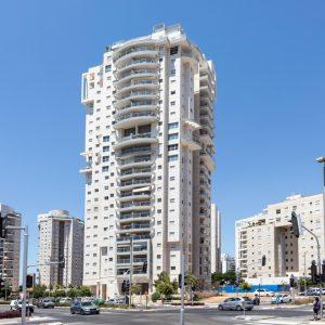 Ha'Gush Ha'Gadol, Tel Aviv